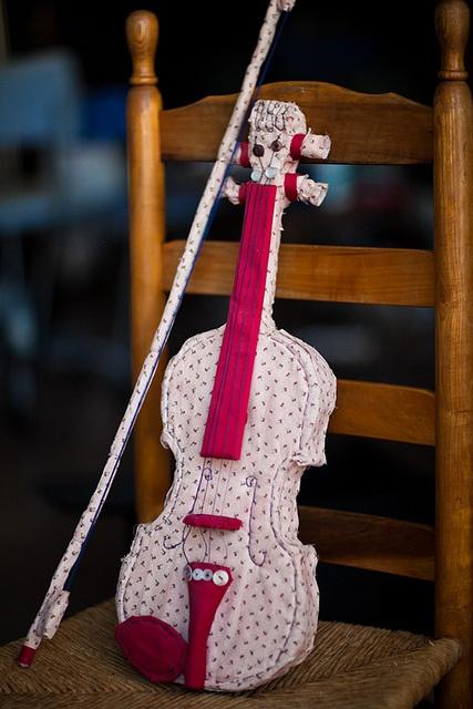 violin 1 by Simone Shin, via Flickr