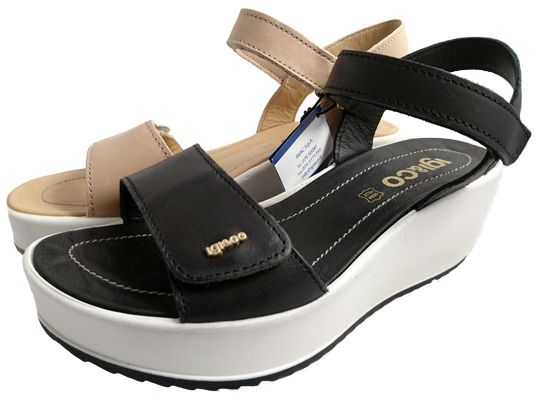 Italian shoes for women: wedge sandals