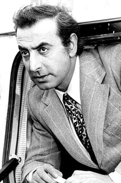 robert Moyal dit Robert Castel, né le 21 mai 1933 à Bab El-Oued, en Algérie