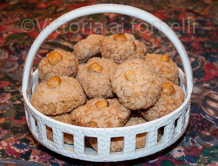Biscotti+alle+nocciole,+ricetta+tradizionale