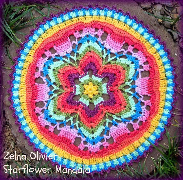 bom dia Fiori  já tinha feito um post antes, mas não resisti quando vi essa belíssima, mandala de crochê fiquei dois apar amostras a vocês ...