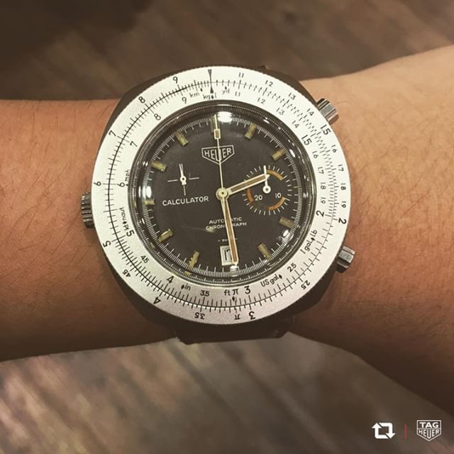 Heuer Calculator features a bezel that acts as a slide rule for calculations