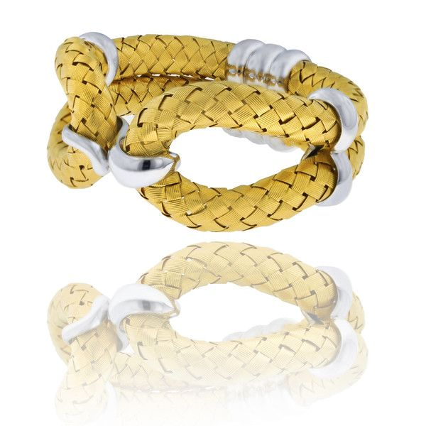 The Eternal Knot bracelet is hand weaved in 18K Italian gold, forming precious structures which reflects the light in multiform variations to bring out the true beauty of gold.