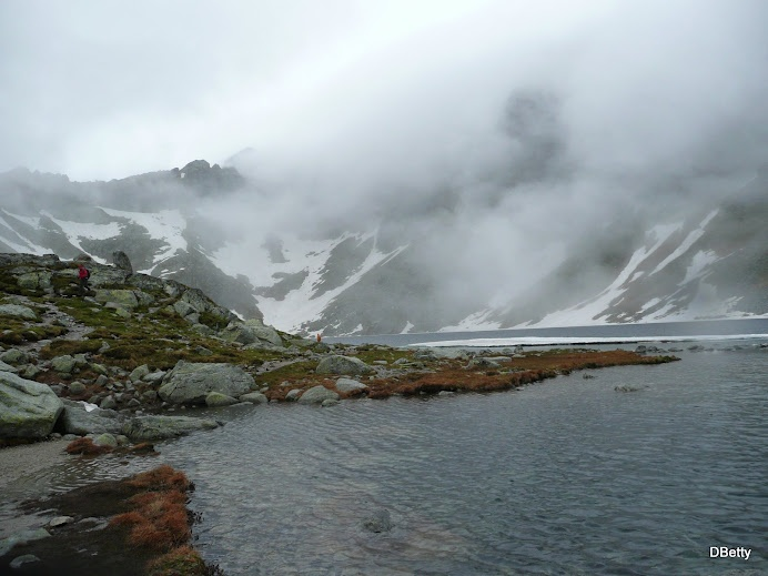 trekking un the High-Tatras
