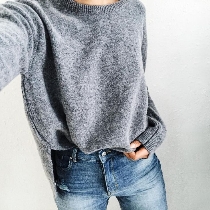 """Much love for grey cashmere sweaters! @genevievesweeney ✌️#ootd"""
