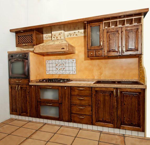 Cucine in vero legno Realizzata da Falegnameriedesign.it
