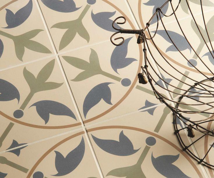 Bij ons heeft u de keuze uit HEEL VEEL verschillende prachtige patroon tegels. In verschillende prachtige kleuren.