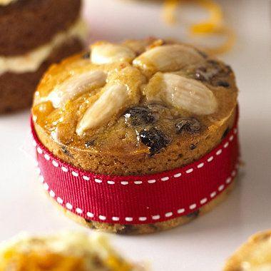 Mini Dundee Cakes recipe - a great homemade gift #recipe