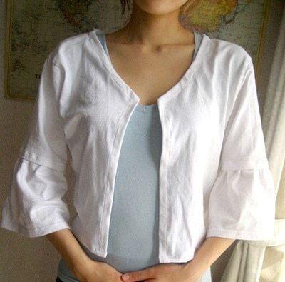 How to recycle a t-shirt into a shrug. T Shirt Bolero - Step 6