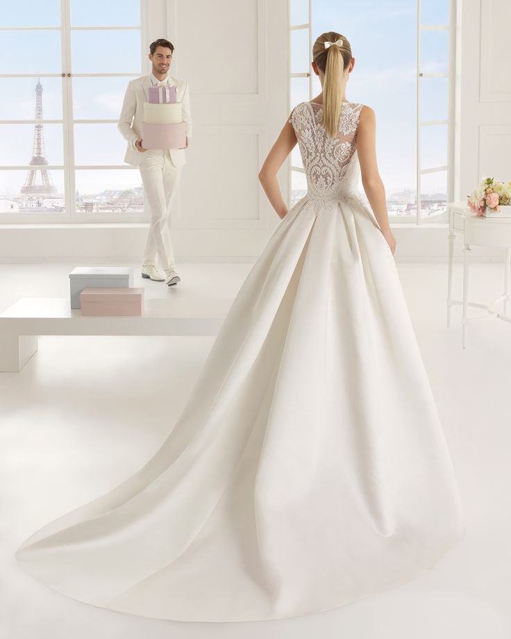 Beaded duchess satin and lace bridal gown. Rosa Clará Two 2016 Collection
