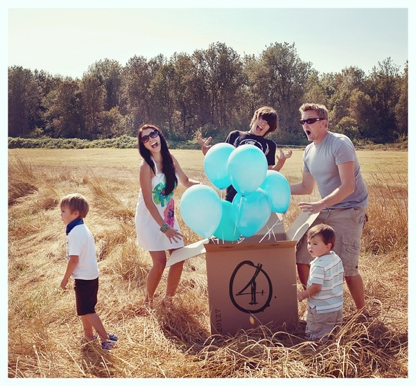 we're expecting! announcement: Picture, Babies, Cute Ideas, Gender Reveal, Expecting Announcements, Box, Baby Ideas Info, Balloon, Boy
