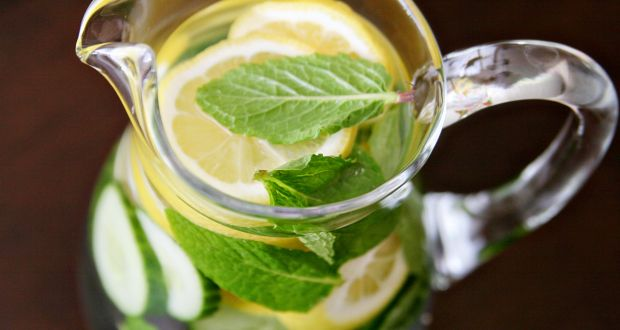 Homemade Detox Water that is Ideal to Flatten your Stomach