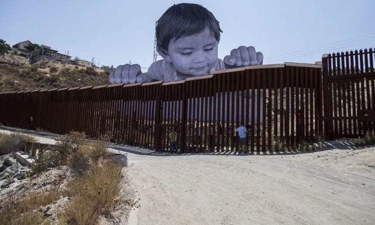 Conmueve cara de bebé gigante en frontera México-EEUU. · Antena San Luis