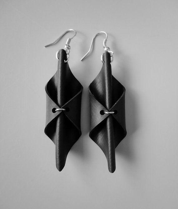 Black earrings. Unique earrings. Rubber earrings. by AnnesSierraad