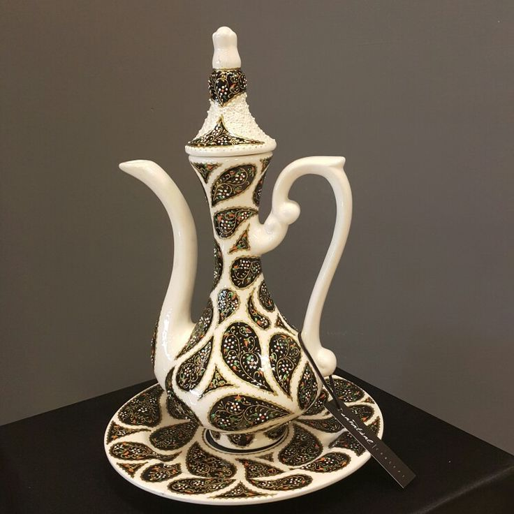 Porselen üzeri süsleme.Aksesuar hediye ve dekorasyon için güzel bir seçim.