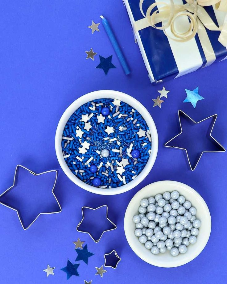 Chanukah Sprinkles! Deep blue and silver Hanukkah  sprinkle mix perfect for all Hanukah celebrations! These would be a great Menorah gift! Sweets & Treats