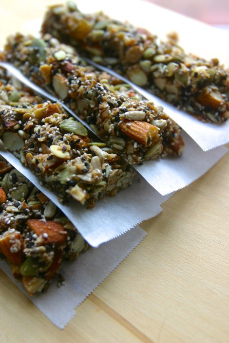 homemade KIND granola energy bars (nut and seed bars, gluten free, grain free)