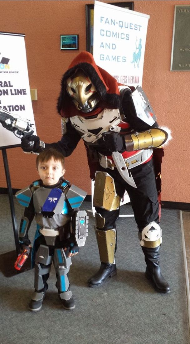 Destiny cosplay