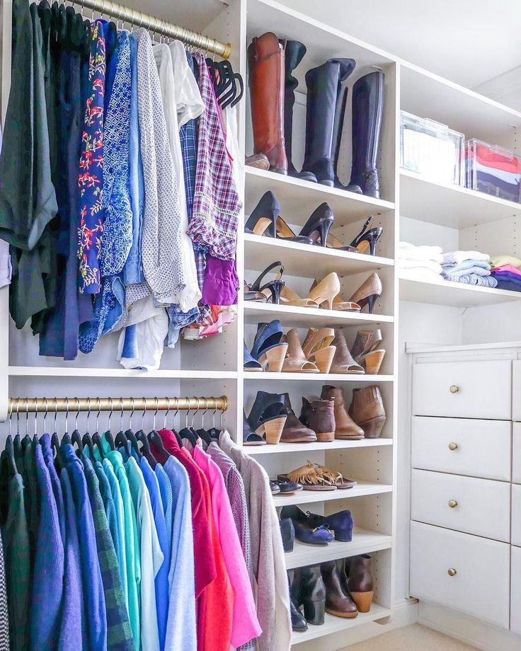 Ruthlessly edited, perfectly organized closetsswoon SMALL