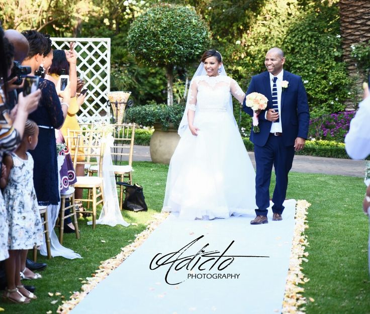 Wedding photographer @garden world wedding venue