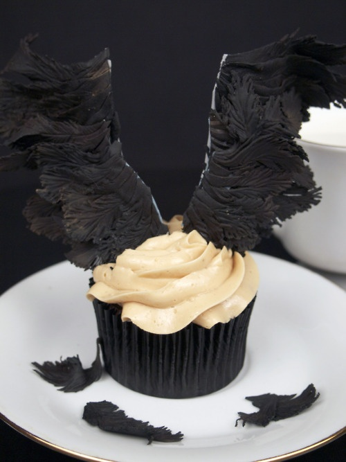Castiel (Supernatural) themed cupcakes I'm having a hard time deciding if this…