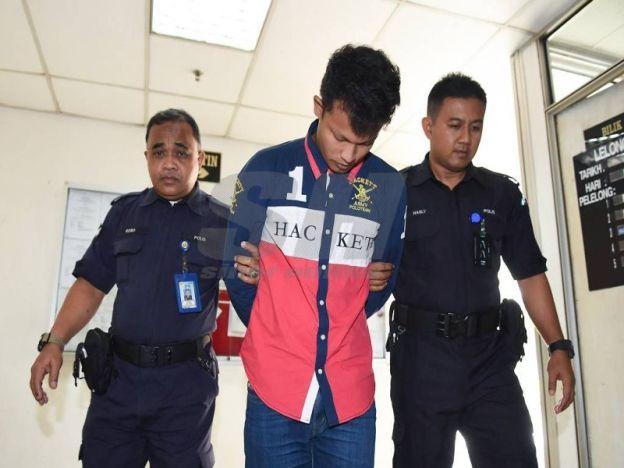Buruh rogol kekasih Tingkatan 1 sampai lahirkan anak dipenjara 10 tahun dan 2 sebatan   KUALA TERENGGANU- Seorang buruh yang merogol pelajar tingkatan satu dari Besut sehingga melahirkan anak dijatuhi hukuman penjara 10 tahun dan dua sebatan oleh Mahkamah Sesyen Kuala Terengganu di sini hari ini.  Hakim Azman Mustaffa membuat keputusan itu selepas tertuduh Mohd Rohaizam Mohamad 24 didapati bersalah mengikut Seksyen 376 Kanun Keseksaan kerana merogol mangsa tiga tahun lalu.  Buruh rogol…