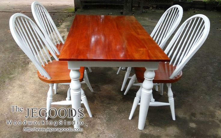Set of Windsor Chair and Dining Table with White and Natural Finished by The Jegoods Woodworking Studio Furniture Indonesia.  We produced and manufacturing high quality furniture at factory price! http://jeparagoods.com