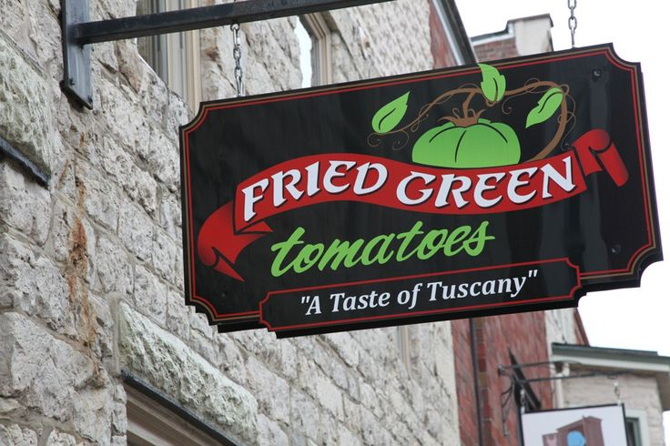 Fried Green Tomatoes: A restaurant at 213 N. Main, this is a popular spot for its Italian offerings. #globalphile #travel #tips #destinations #lonelyplanet #vacation #usa #galena #illinois #foodie #italian #restaurant #dining http://globalphile.com/destination/galena-illinois/