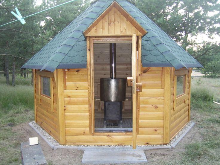 Standardowa Sauna / Ruska Bania 9,9m2. Może z niej jednocześnie korzystać nawet 9 osób, w tym 5 miejsc leżących. Więcej info na naszej stronie a2domki.pl