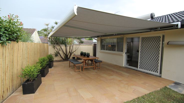 Luxaflex Garda Folding Arm Awning in Dickson Acrylic (8396 - Souris) from episode 6.
