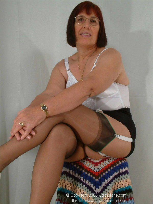 Granny In Nylons  Granny  Sexy Older Women, Older Women -2774