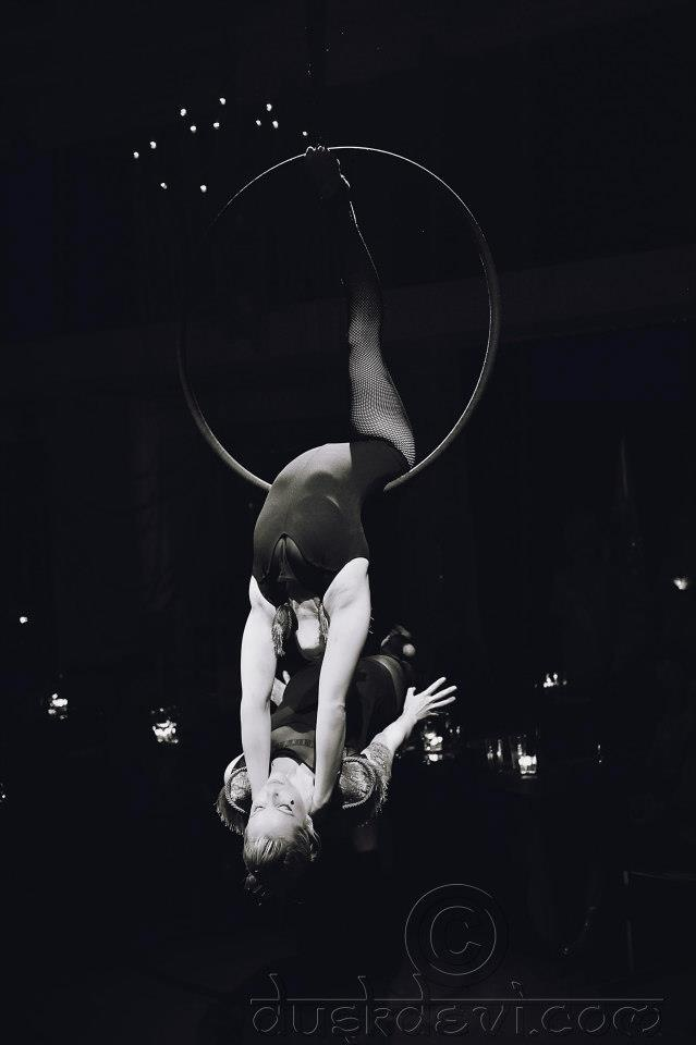 .: Aerial Hoop, Aerial Contortionist, Lyra Hoop, Lyra Double, Aerial Sports, Aerial Inspiration, Things Aerial, Aerial Art, Acrobatic