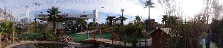 Mini golf, Mall Quilín, Peñalolén, Santiago, Chile.