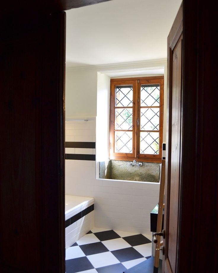 Love the coziness result of our study and work #woodworklab #project #interiordesign #lightingdesign #pelionesties #pelion #greece