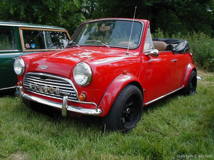 i've been dreaming of having this 1985 austin mini for years. its just so purty c: