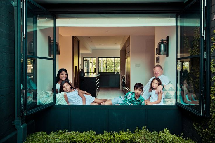 a home study on Sydney's eastern suburbs for some gorgeous candid family portraits by gm photographics