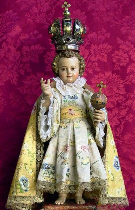Infant of Prague... LOVE that He is smiling a little!
