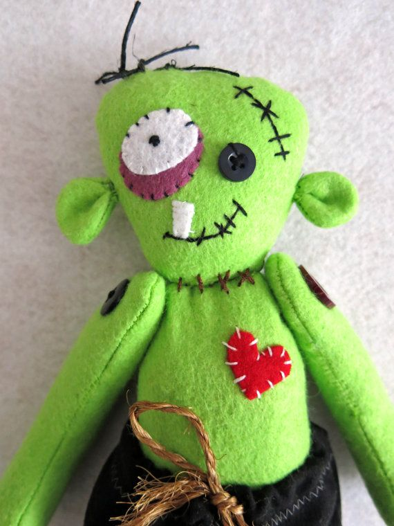 Ulmer the lonely zombie by Lilolimon on Etsy, Green zombie, fabric zombie, zombie softie by lilolimon