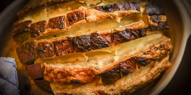 OSTEBRØD: Her er en oppskrift på et ostebrød som du garantert kommer til å digge!