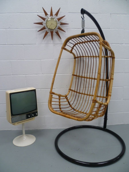 Must have hanging chair!!!! retroworldonline.co.uk | Seating