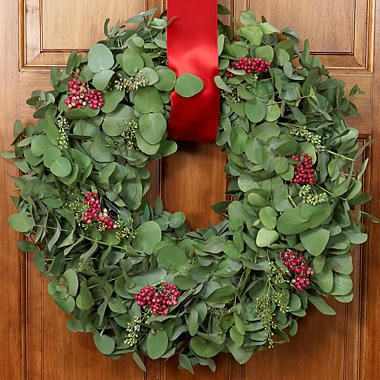 Decorating your door before Christmas. http://floristvietnam.com/598-decorating-your-door-before-christmas.html
