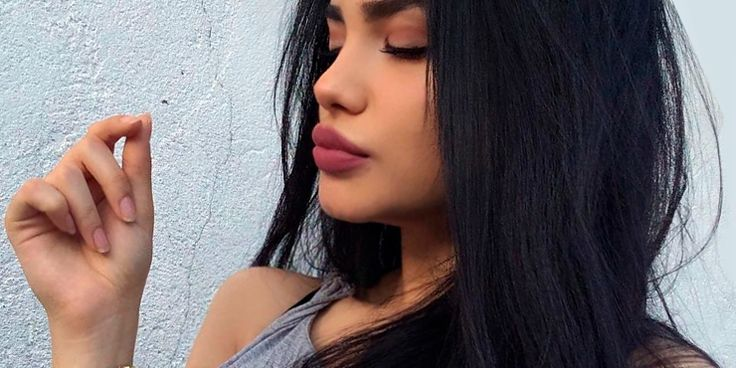 Chicas que te enseñarán a empezar el año con los labios más sexys