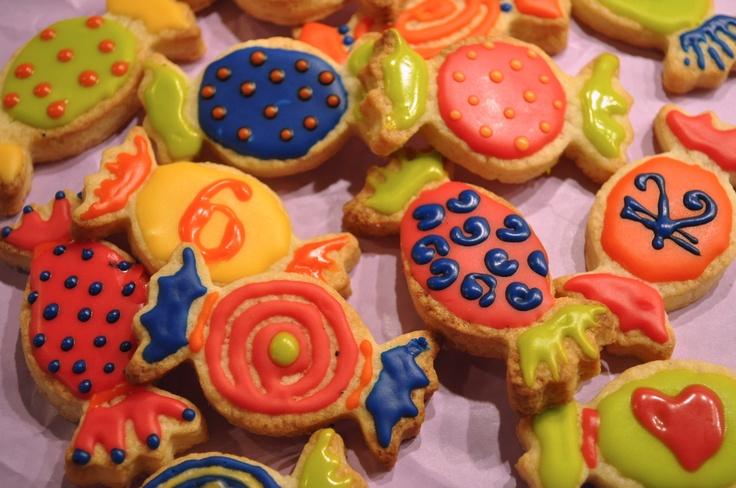Cosa c'è di meglio per riempire la calza della Befana se non i biscotti a forma di caramella? http://www.kikkascakes.com/Kikkas_Cakes/ricette-2/ricette-dolci/i-biscotti-caramella-per-lepifania