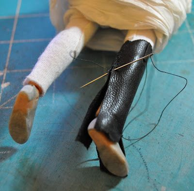 Braymere Custom Saddlery: Doll boots, part two