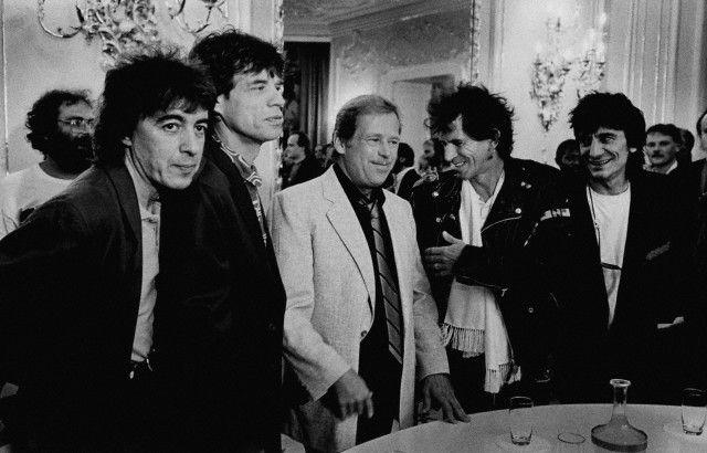 1990, Prague, Czech Republic --- British rock group the Rolling Stones visiting the Czechoslovak President Vaclav Havel in Prague Castle. --- Image by © Miroslav ZajÌc/CORBIS