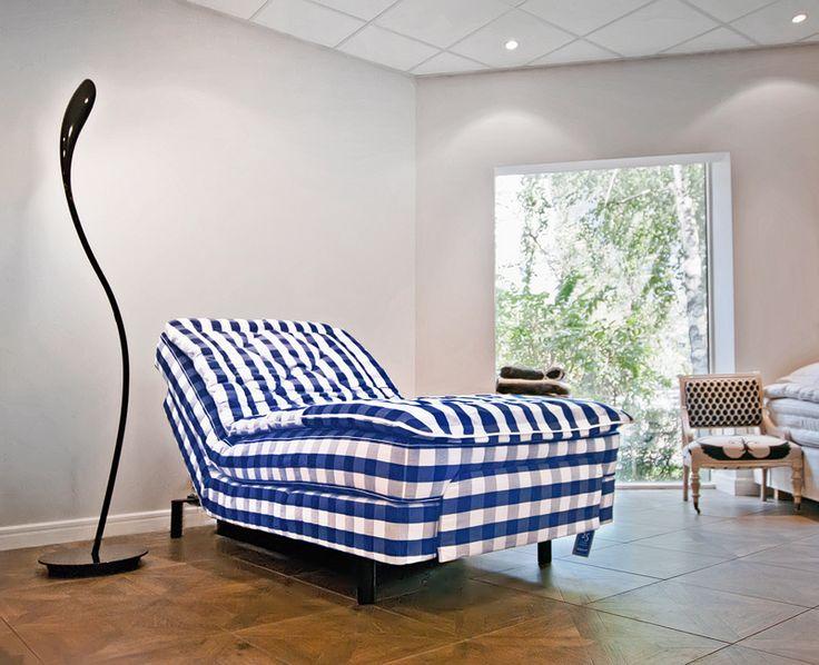 Beautiful september mornings in a beautiful bed: Lenoria @ Hästens Showroom, Bucharest
