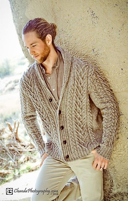 lightsharpnesssong:Knitting Inspiration - giant, smooshy cables!...