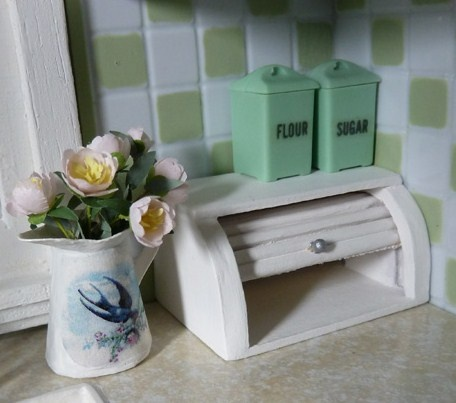 how to: dollhouse bread box (photo from Every Little Thing's Jadite kitchen: http://everylittlethingblog.wordpress.com/2012/05/08/vacation-day-3-jadite-kitchen/)