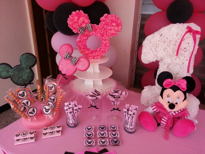 Minnie Mouse Birthday Party First Year Party Candy Table Dessert Table Minnie Decor With Images Minnie Mouse Birthday Theme Minnie Birthday Party Minnie Mouse Birthday