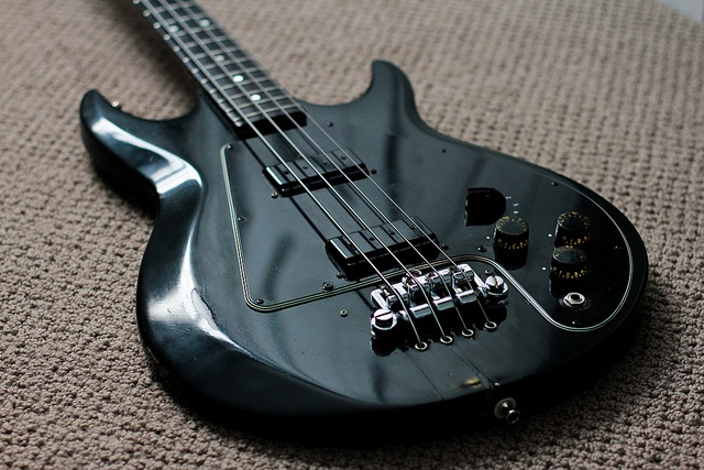 1979 Gibson Ripper by Chris Blatchly, via Flickr